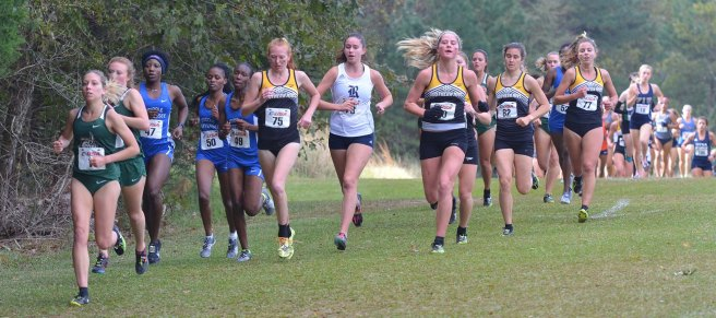 Southern Miss' Natalya Dekleva- Hall, Kate Mattox, Savannah McMillion and Madeleine Bell staying together early in the race.